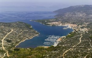 osor channel Cres-marina-768x492