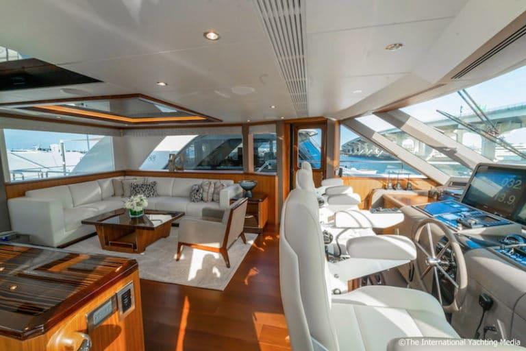 Ocean-Alexander-100-Skylounge-interiors-768x512