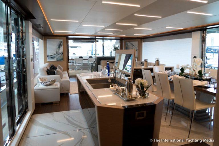 Ocean-Alexander-90-R-main-deck-768x512