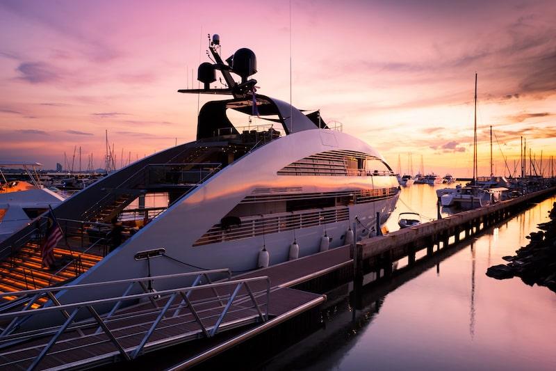 compra una barca superyachts