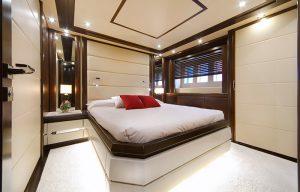 Navetta 30 guest-cabin