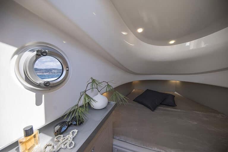 sacs-strider-11-limousine-double-bed