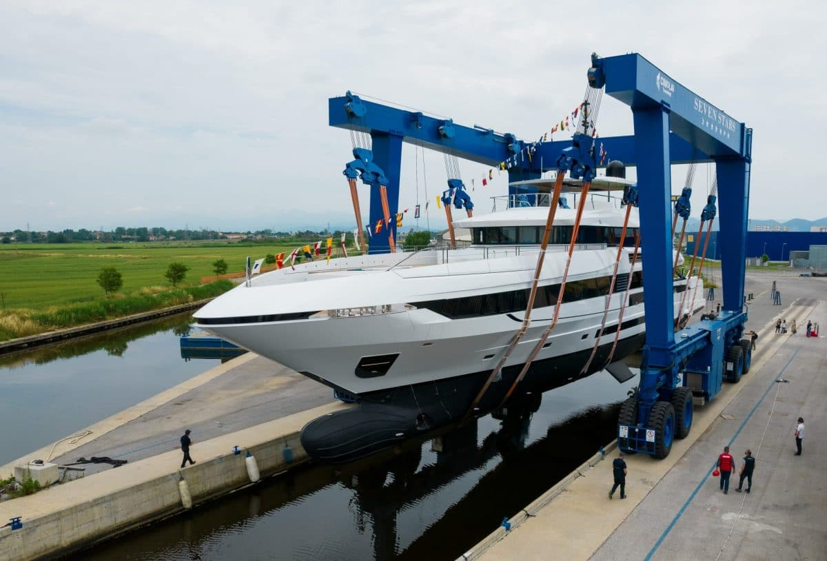 Mangusta_Oceano_50_the_launched__1_