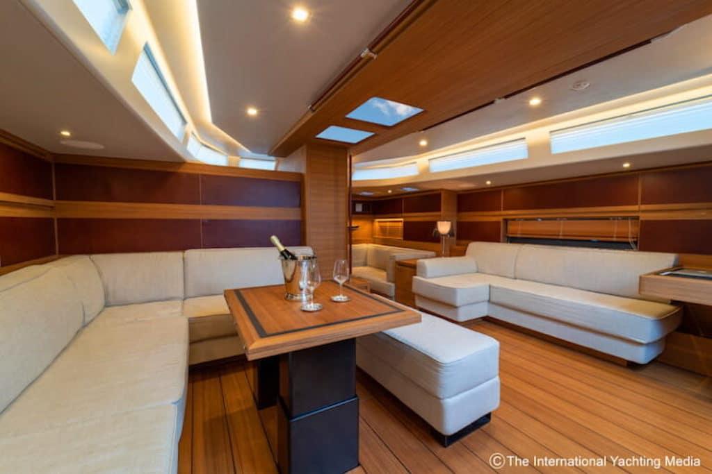 dinette yacht